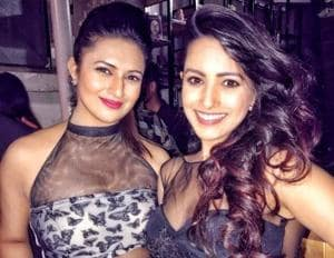 See Divyanka Tripathi, other TV celebs at Anita Hassanandani's bag...