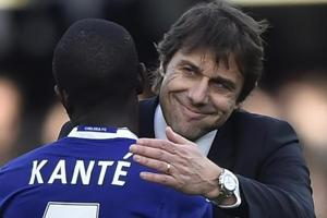 Chelsea FCmanager Antonio Conte and N