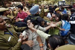 Ramjas clashes: RSS teachers' wing demand probe, mechanism to vet DU...