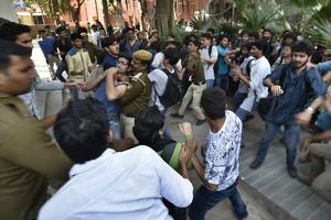 ABVP, SFI members clash as Ramjas row seeps into Pune varsity