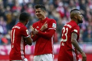 Bayern Munich thrash Hamburg SV 8-0 with Robert Lewandowski hat-trick
