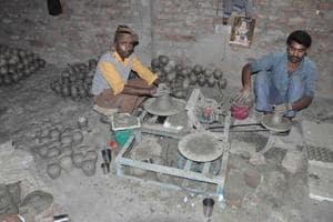 Will this election end dark days of black pottery in Nizamabad?