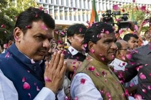 Sena, BJP play waiting game; saffron face-off turns focus to other...