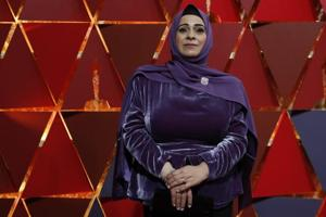 Syrian refugee Hala Kamil walks Oscars red-carpet in hijab