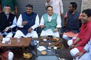 Amid poll heat, union ministers relish Kashi's special jalebi, kachori