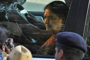 Sasikala, convicted for corruption, should not be AIADMK chief: Former...