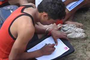Army exam paper leak serious issue, minister Parrikar should wake up:...