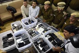 735 stolen mobile phones worth Rs 1.3 crore recovered in Delhi, eight...