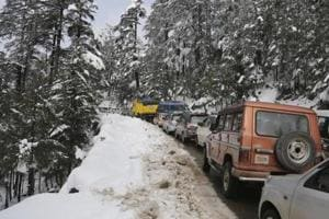 Landslides close Jammu-Srinagar highway