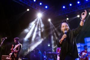 I forgot to pee when I saw the crowd at Venky College: Kailash Kher