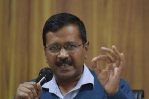 Kejriwal meets L-G, demands action against ABVP