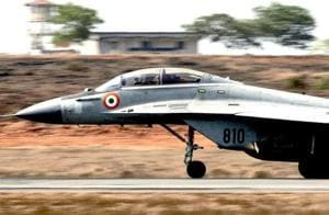 Navy MiG-29 fighter makes emergency landing in Mangaluru after...