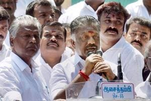 AIADMK's Panneerselvam camp petitions Prez for probe into...
