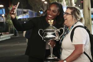 Serena Williams challenges strangers to a late-night tennis match
