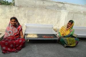 The women were trained to use the dryers to dehydrate onions, fenugreek, spinach, dried ginger, mangoes and papaya.