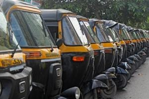 Focus on passengers' safety, not just Marathi rule for auto permits,...