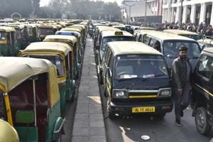 Delhi govt to give away 10,000 auto permits to drivers next month