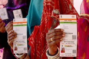 Centre, SC may lock horns over making Aadhaar mandatory for govt schemes