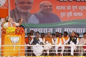 Modi hits out at Akhilesh: 'Son who can't keep father's  promises talking of work'