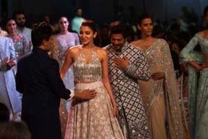 Anushka Sharma, Shah Rukh Khan walk the ramp at Manish Malhotra's fashion...