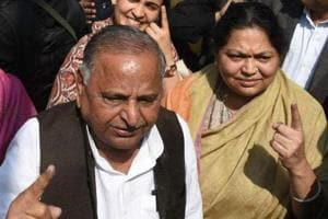 Wanted to enter politics, but he said no: Mulayam's wife