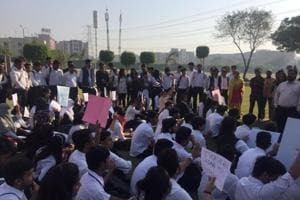 Greater Noida: Lloyd's students demand return of director who resigned after ABVP protest
