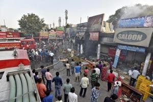 Gurgaon: Shoppers panic as two shops gutted in Sector 15 market