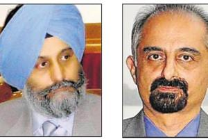 IAS officers Navreet Singh Kang (1983 batch) and Karan Avtar Singh (1984 batch) are frontrunners for the post of chief secretary, Congress sources told HT.