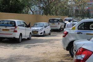 Gurgaon: Illegal taxi stand a nuisance in M block, DLF 2