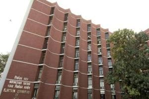 EC favours barring convicts from contesting polls for lifetime