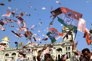 Congress supporters agitate at Esplanade on March 15 with fake currency against the purported acceptance of cash by Trinamool Congress leaders seen in the Narada sting operation.