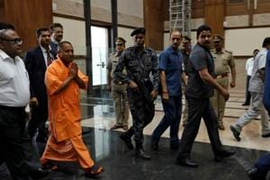 Yogi Adityanath government removes many ex-bureaucrats, politicians of...