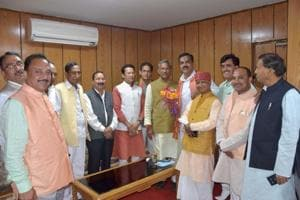 RSS swayamsevaks to be attached with U'khnd ministers
