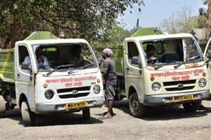Sanitation workers in Kalyan, Dombivli resume work after police...