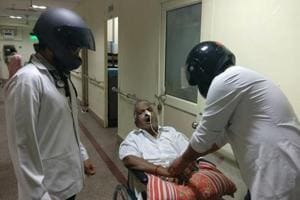 Delhi AIIMS stands with Maharashtra: Doctors wear helmets to work