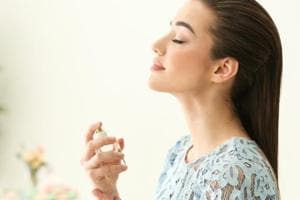 Women's sense of smell may influence their social life, finds study