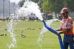 Delhi summer woes: Temperature hits 35 degrees, to cross 40 in early...