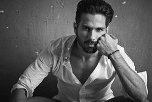 Past with Kareena Kapoor is world secret, quips Shahid Kapoor