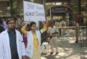 BJP, Opposition walk out saying BMC not serious about doctors' strike