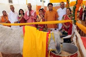 Cow caretakers seek seers' support for Yogi Adityanath's push to save...