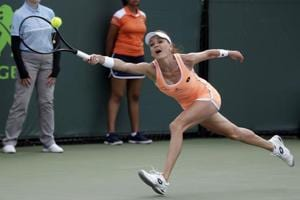 Karolina Pliskova advances, Agnieszka Radwanska ousted in Miami Open
