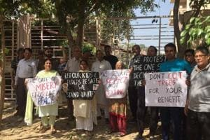 Gurgaon's Sushant Lok 1 residents want demolished boundary wall back