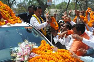 Deputy CM Maurya accorded warm welcome in Allahabad