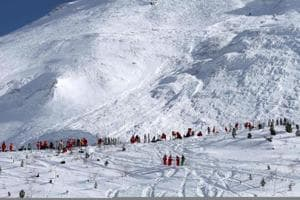 Avalanche hits students on mountaineering trip in Japan, six feared...