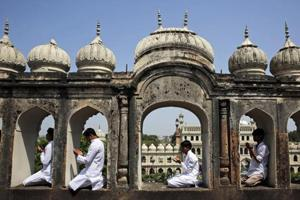 Bhopal train bombers wanted to attack UP dargah, Imambara and shia...