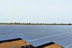 Solar power lights up remote villages in Rajasthan