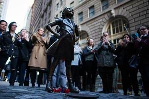 Popular 'Fearless Girl' statue to stay on Wall Street for another year