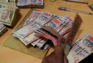 Delhi police seize Rs4.25cr in banned notes from chit-fund company...