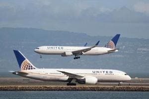How two teens in leggings became a PR mess for United Airlines