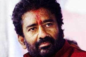 Banned by Air India, Shiv Sena MP Ravindra Gaikwad travels to Delhi by...